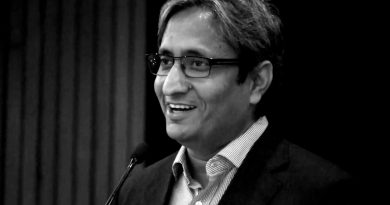 What can a Media student learn about political and social journalism from Mr. Ravish Kumar?